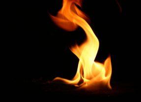 Bügeleisen verursachte Brandfleck